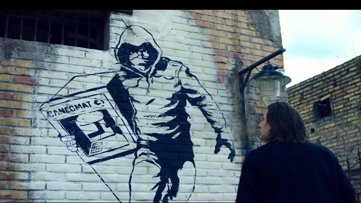 Il murales in stile Bansky che celebra le imprese di Jeeg Robot e ossessiona Lo Zingaro