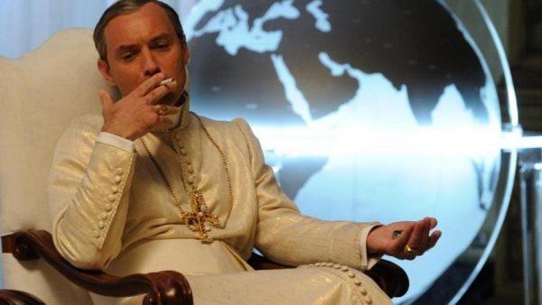 Papa Belardo è un tabagista incallito. Un vizio un po' ostentato