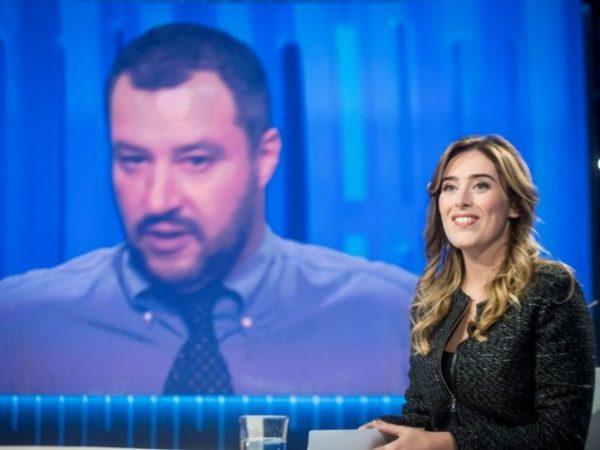 Il ministro per le Riforme Maria Elena Boschi al confronto tv con Matteo Salvini
