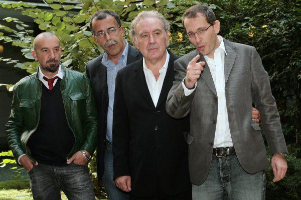 Michele Santoro in una foto del 2011 con la sua ex squadra composta da Corrado Formigli, Sandro Ruotolo e Stefano Bianchi
