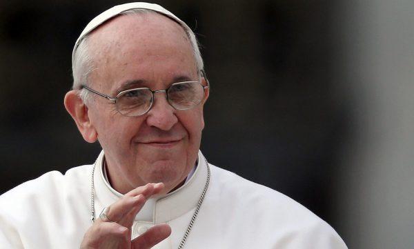 Papa Francesco in una sua tipica espressione