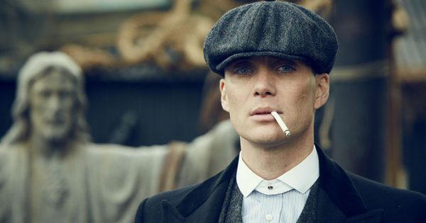 Cillian Murphy nei panni di Tom Shelby