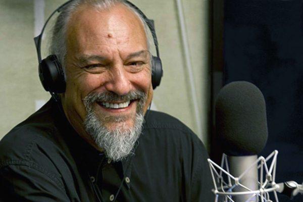 Eugenio Finardi nello studio di InBlu Radio, emittente della Conferenza episcopale italiana