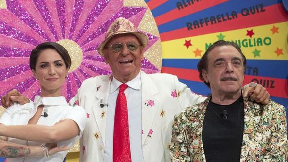 Andrea Delogu, Renzo Arbore e Nino Frassica in «Indietro tutta trenta e l'ode»